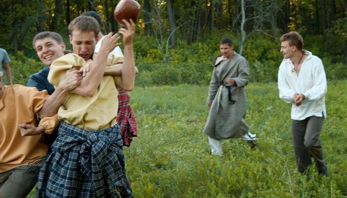 Выбили мяч из рук