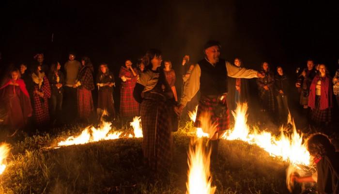 Король и Королева Бельтайна в круге огня
